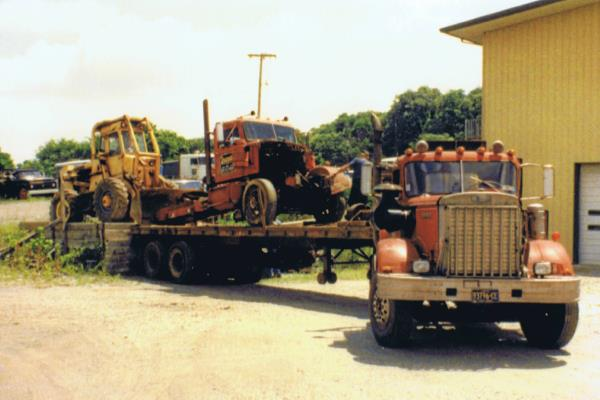 http://forums.justoldtrucks.com/uploads/images/c7c673fb-46d4-4939-9601-120c.jpg