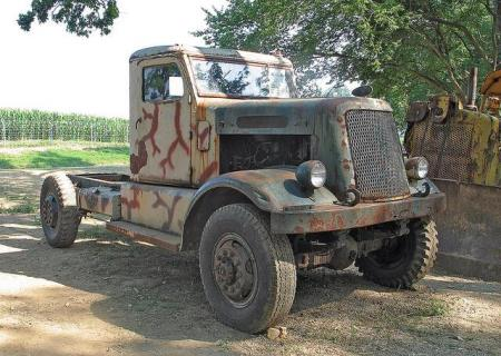 http://forums.justoldtrucks.com/uploads/images/d864666d-19a0-4163-839a-68e6.jpg