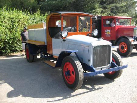 http://forums.justoldtrucks.com/uploads/images/dcde757f-a584-475a-b7b1-7875.jpg