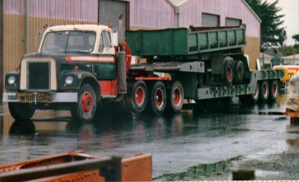 http://forums.justoldtrucks.com/uploads/images/f2f54125-d38e-49e6-8df5-7094.jpg