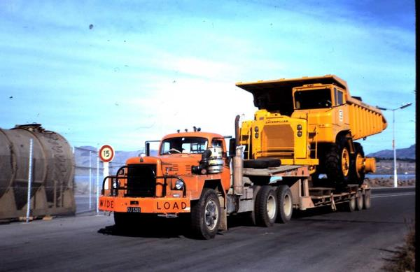 http://forums.justoldtrucks.com/uploads/images/f67d146a-bed3-4e36-bf16-88be.jpg
